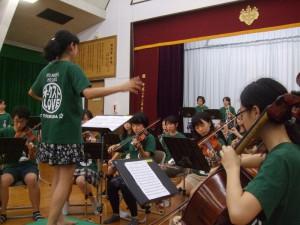 オーケストラ部の演奏